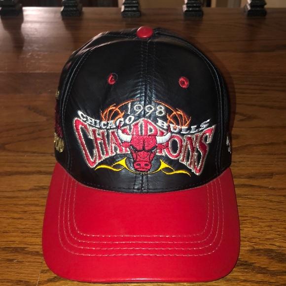d46f9e801ea4a Chicago Bulls Vintage Strapback Championships Hat.  M 5c4a5f6f3e0caa81f23eb835